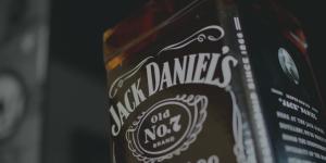 Jack Daniels transmite poder, elegancia y fuerza.